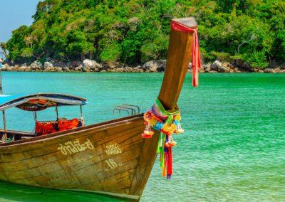 Passeio de longtail em Phi Phi