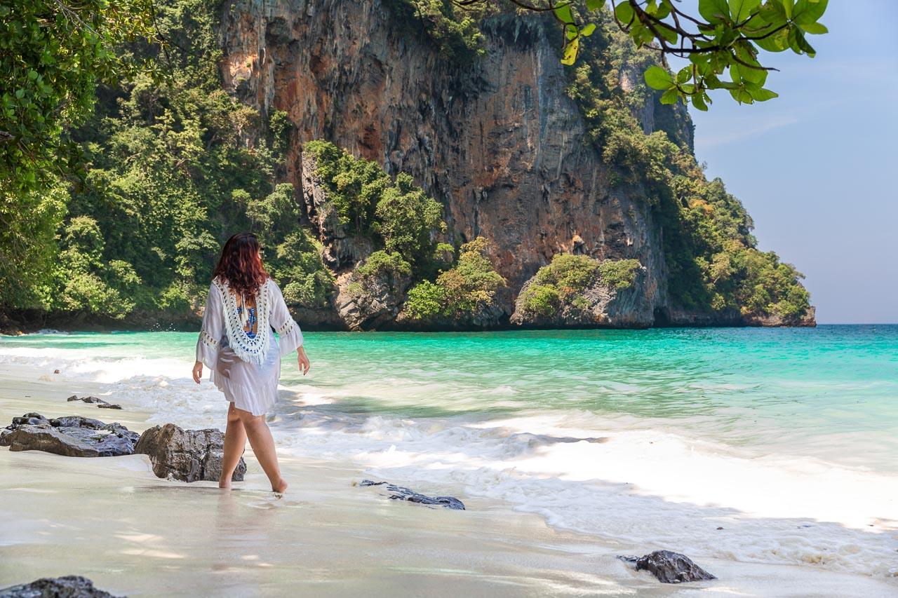 Monkey beach com a maré ideal e os seus paredões maravilhosos.