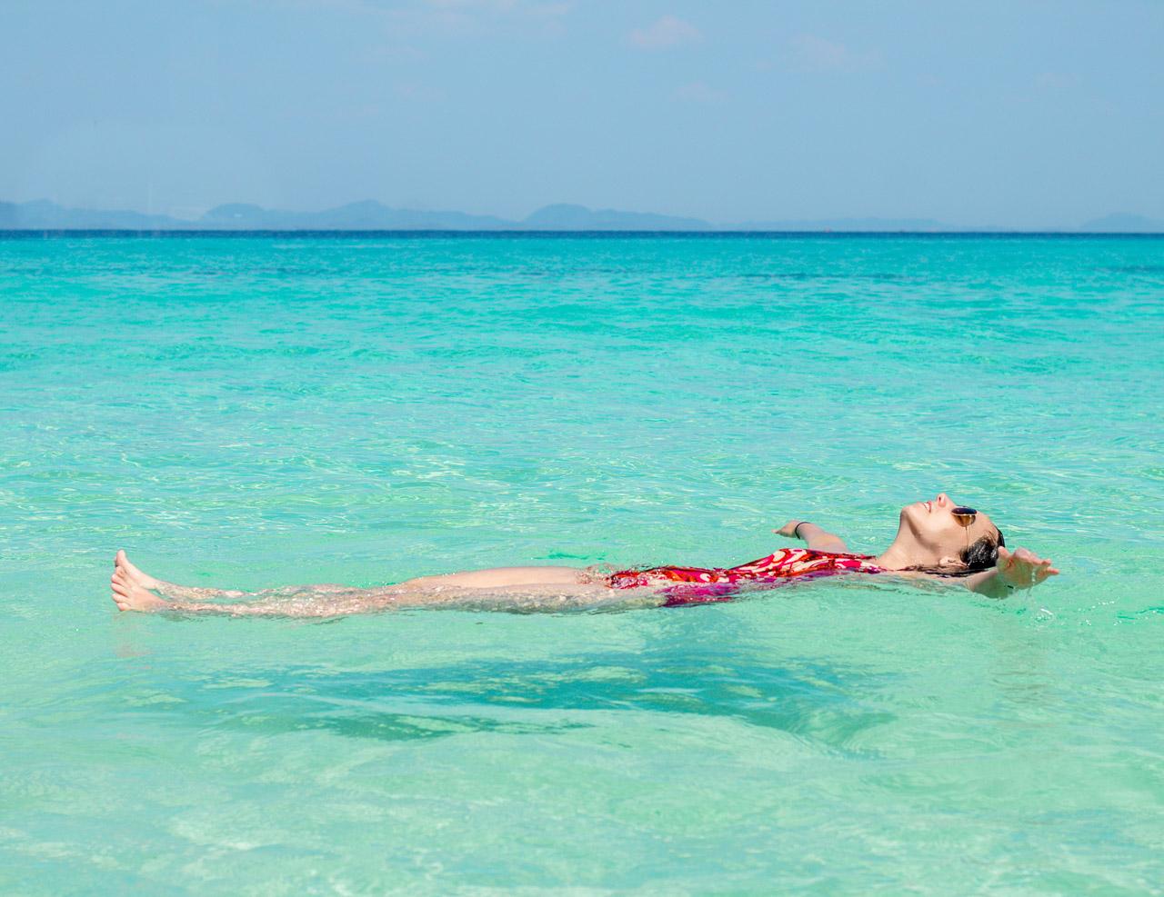 É impossível não curtir a Bamboo Island em Koh Phi Phi na Tailândia, não acha?