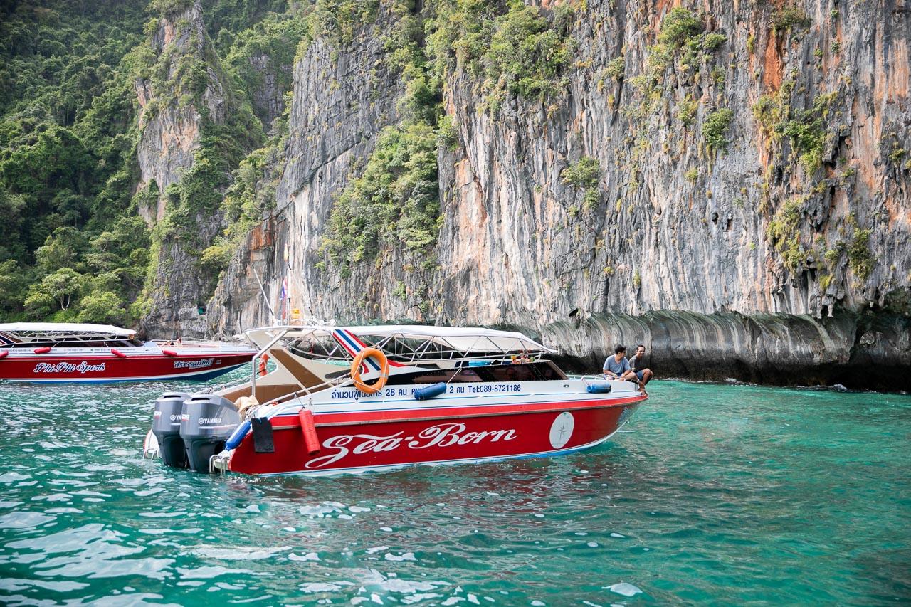 Lancha Privativa para visitar as praias da ilha