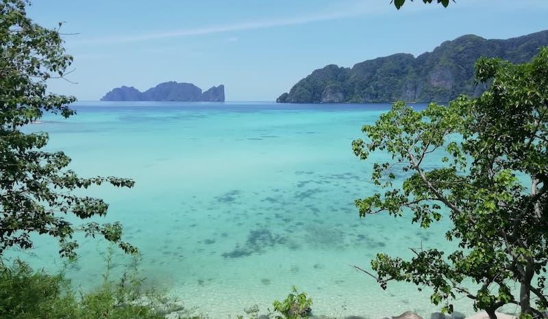 Praias paradisíacas de Phi Phi durante a pandemia