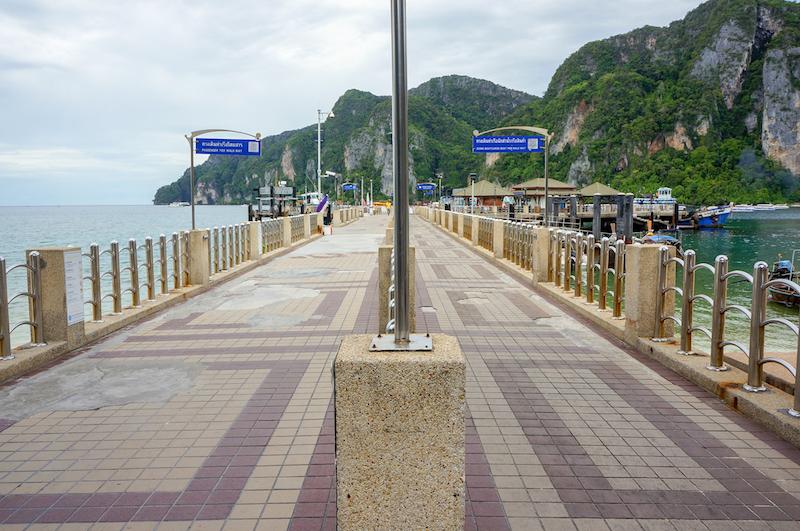 Píer Tonsai em Phi Phi Don na Tailândia.