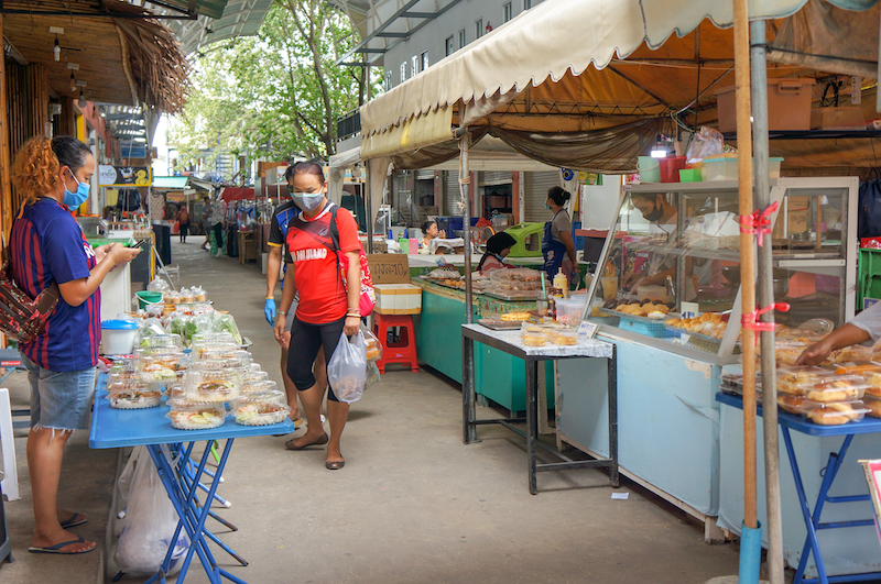 Mercado local de Koh Phi Phi, na Tailândia