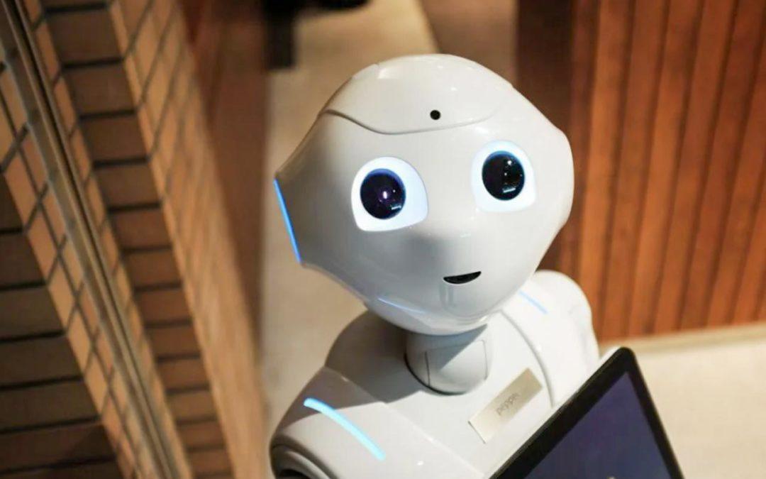 Tailândia produz robô para combater COVID-19