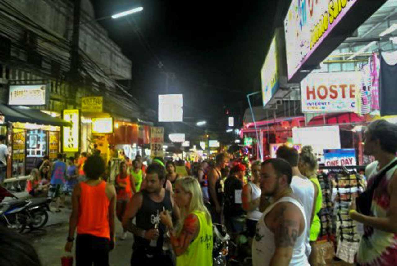 Ruas de Phangan na Tailândia