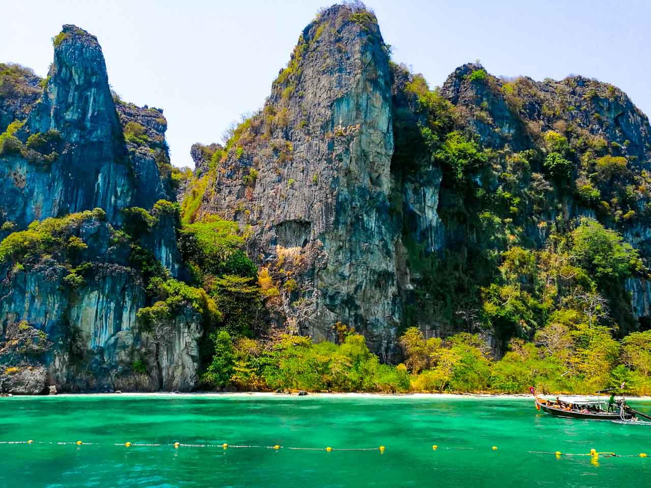 Mosquito Island, a ilha que está fechada em Phi Phi Tailândia.