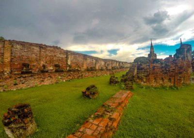 Templos da antiga capital da Tailândia. | Foto: Bruno/@passeiosemphiphi