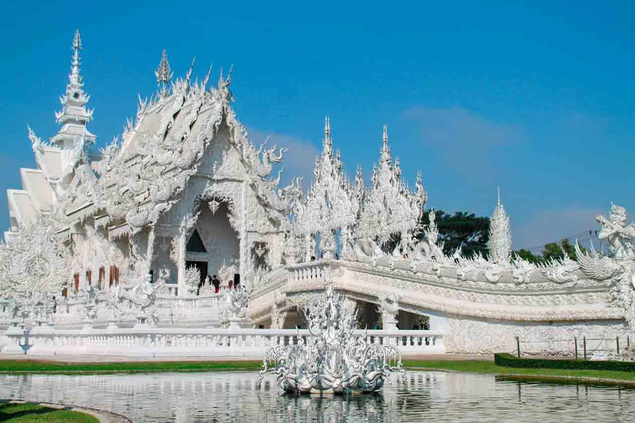 Passeio pelos templos de Chiang Rai - templo branco e templo azul - passeios em Chiang Mai