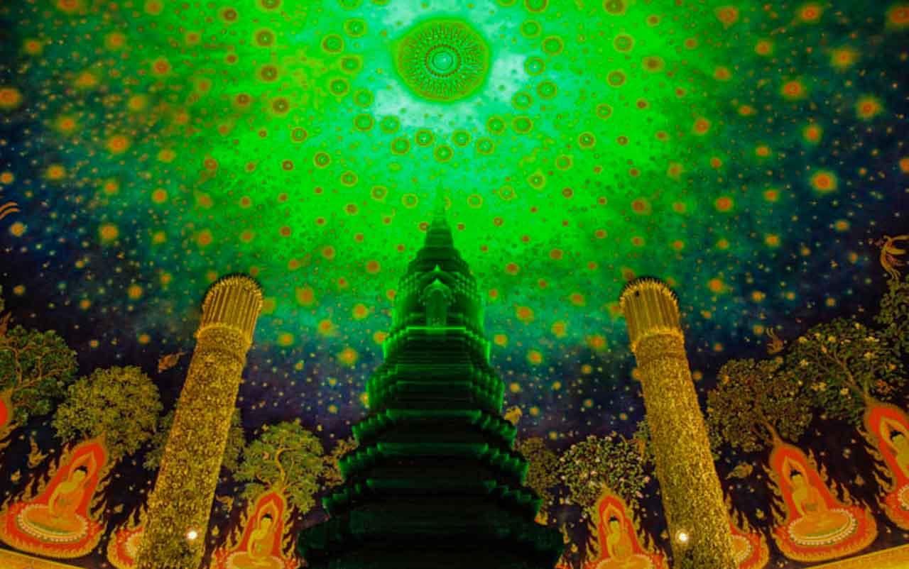 Dentro do complexo de Wat Pakham em Bangkok.