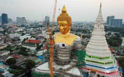 Wat Paknam: templo do imenso Buda Dourado em Bangkok, Tailândia