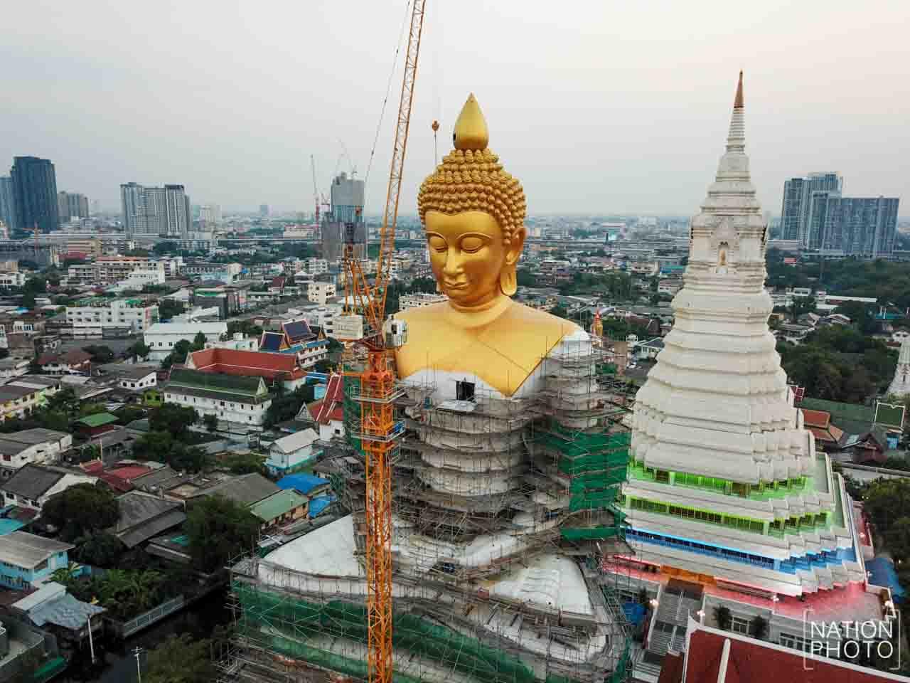 Wat Paknam em Bangkok: um dos Budas mais recentes e interessantes da Tailândia.