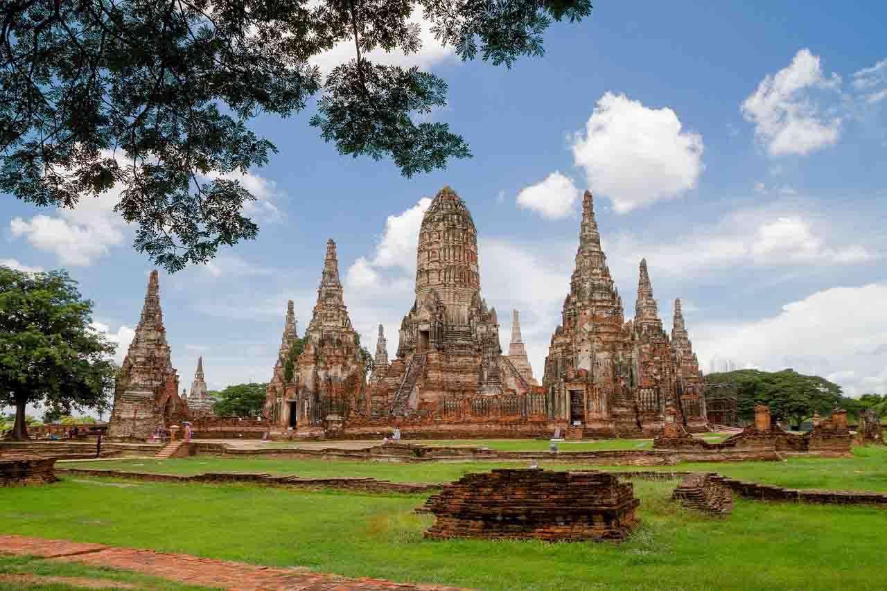 Templos de Ayutthaya, cidade perto de Bangkok, Tailândia - passeios em bangkok